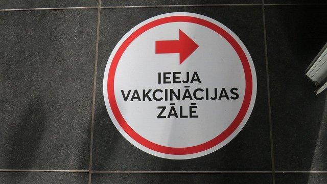 Sestdien vakcinācijas centros, lielveikalos un izbraukumos pret Covid-19 sapotēti vairāk nekā 7600 cilvēku