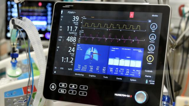 Zviedrija Latvijai nosūtīs papildu aprīkojumu Covid-19 pacientu aprūpei