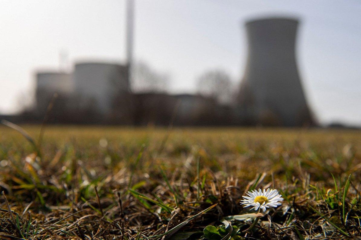 Polija un vairākas citas valstis plāno vairāk izmantot atomenerģiju izmešu samazināšanai