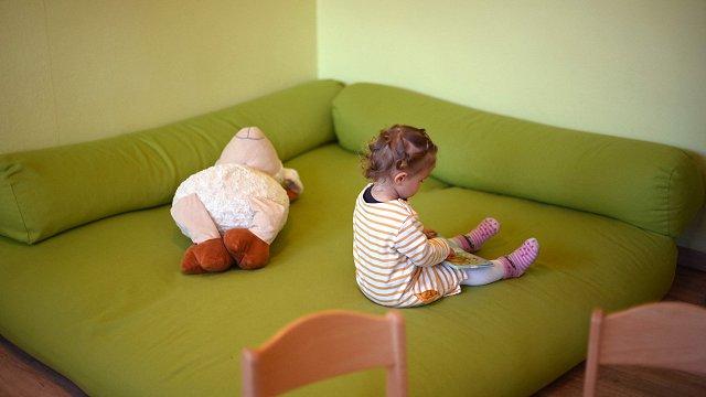 Latvijā institūcijās esošo bērnu skaits pēdējo desmit gadu laikā samazinājies trīs reizes