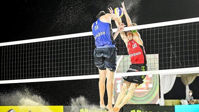 Samoilovs/Šmēdiņš pludmales volejbola Pasaules tūres posmā zaudē cīņā par ceturtdaļfinālu
