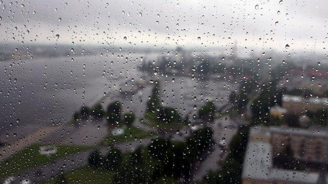 Piektdienas naktī gaidāms stiprs lietus, spēkā dzeltenais brīdinājums