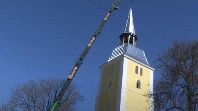 Atjaunots Mežotnes baznīcas tornis