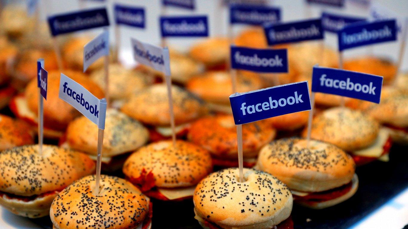 Евросоюз решает, как заставить Facebook и Google платить, что положено