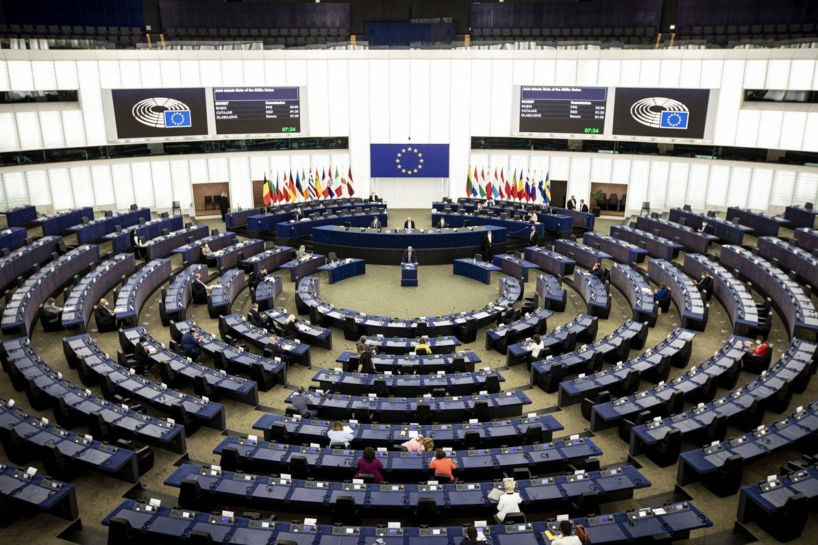 Briselē sākusies cīņa par Eiropas Parlamenta vadītāja krēslu