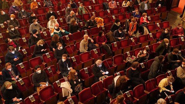 Nevakcinētu skatītāju klātbūtne kultūras pasākumos – dārgs prieks