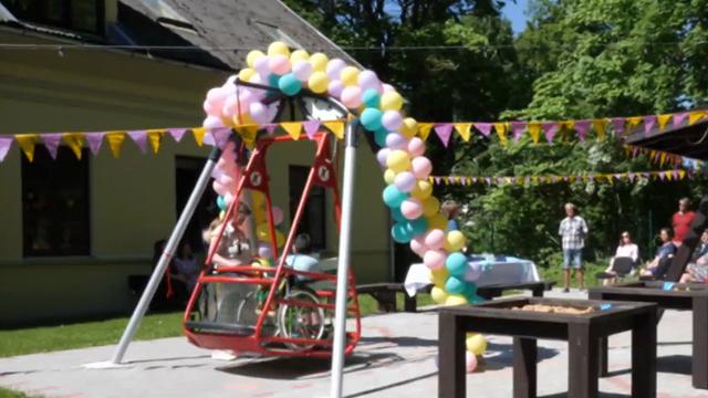 Talsu novadā bērniem ar īpašām vajadzībām pieejama hidroterapija un īpašas šūpoles