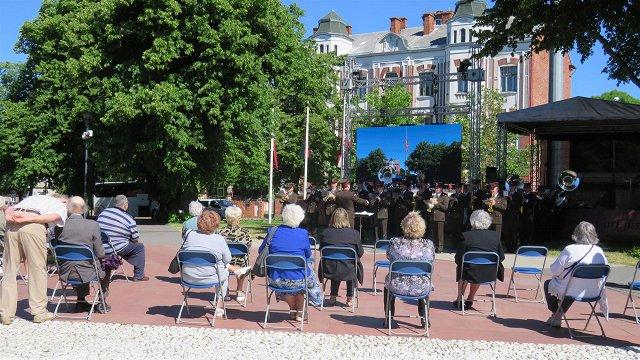 Liepājā, Saldū un Jelgavā izsūtītos piemin vārdu lasījumos, koncertā un izstādē