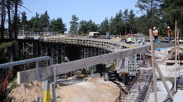 Sarkandaugavā pārvada būvniecību sola pabeigt laikā – nākamvasar