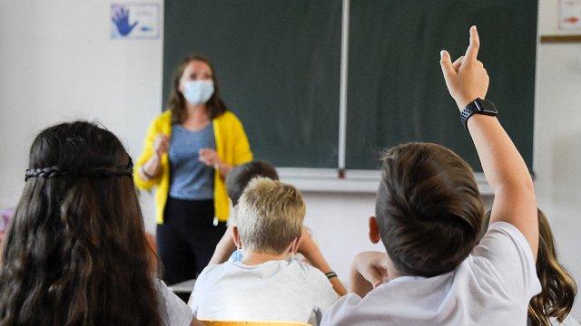 Pedagogiem vajag atbalstu kompetenču satura ieviešanai