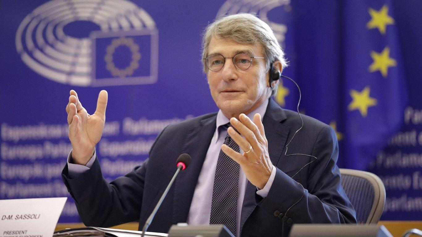 Битва за пост главы Европарламента: кто заменит Давида Сассоли и уйдет ли он сам