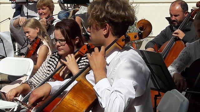 Mūzika ir vienvirziena biļete. Jauniešu simfoniskie orķestri #dziedundejo2021