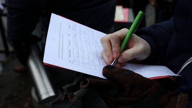 Vāc parakstus, lai nevakcinētie maksātu par Covid-19 ārstēšanu