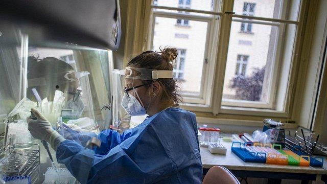 Latvijā ar Covid-19 inficējušies vēl 674 cilvēki, miruši 7 sasirgušie