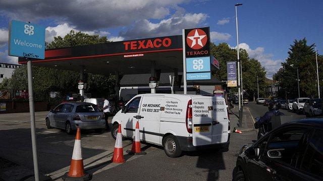 Lielbritānija sagatavojusi armiju degvielas piegādēm