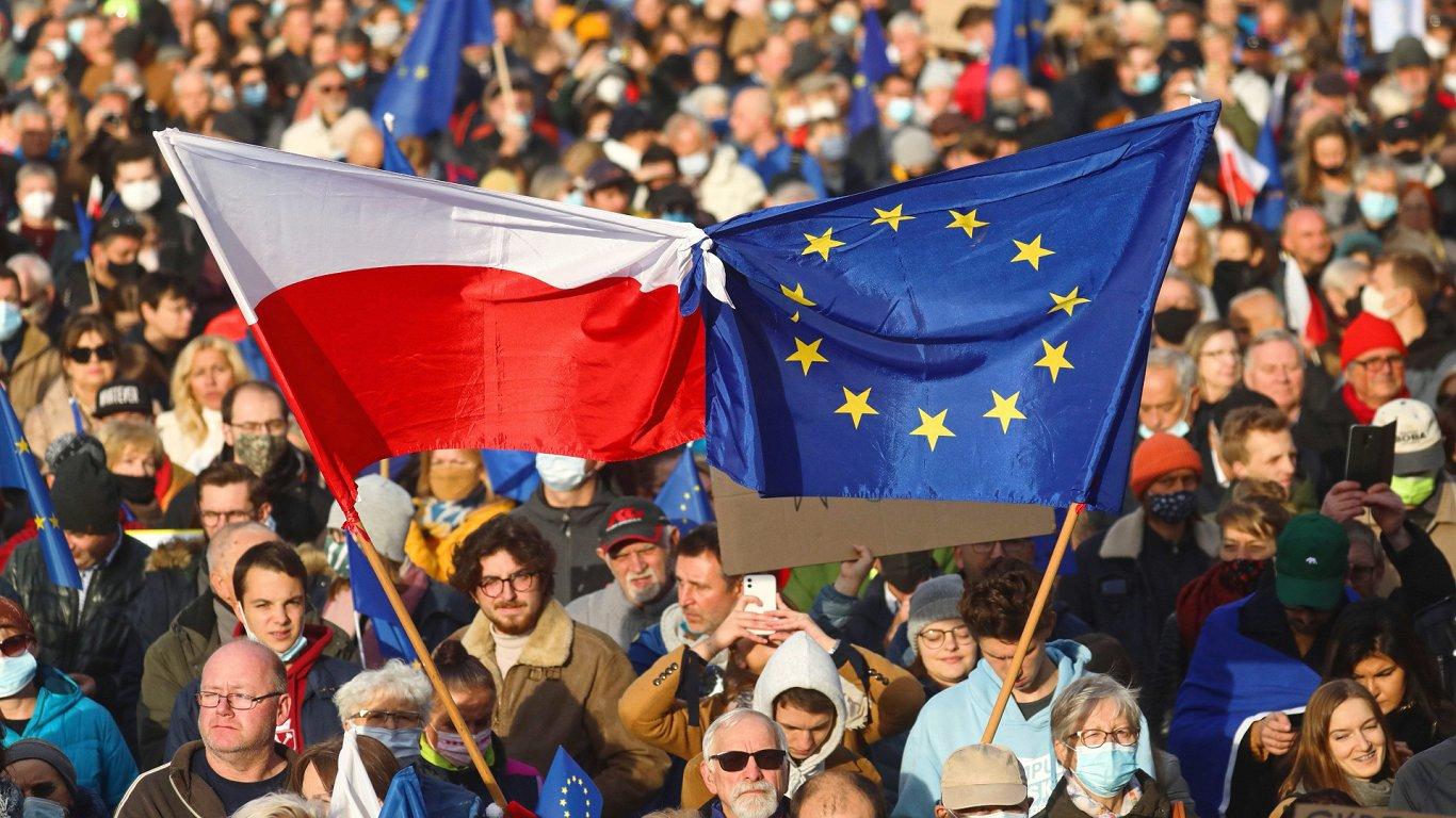 Как Евросоюзу заставить Польшу играть по европейским правилам