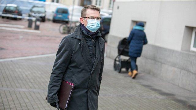 Lietuvā sāk izmeklēšanu par veselības ministra terorizēšanu saistībā ar Covid-19 pandēmijas iegrožošanas pasākumiem