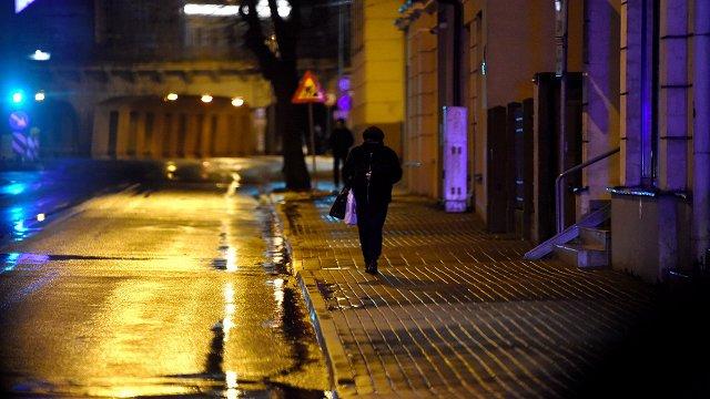 Rīgā komandantstundā netrūkst pārbaudāmu gājēju; Valmierā – sods bravūrīgam autovadītājam