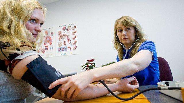 Igaunijas ģimenes ārsti koncentrēsies uz iedzīvotāju vakcināciju pret Covid-19