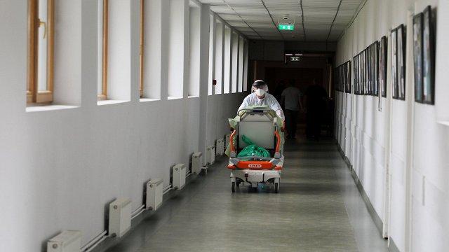 Cīņā ar Covid-19 gatavojas lūgt starptautisku palīdzību – apkopo slimnīcu vajadzības